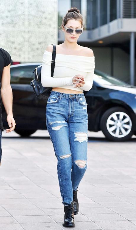 Phối boyfriend jeans ngày hè sành điệu như sao Hollywood